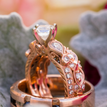 Know The Difference Between Yellow Gold vs Rose Gold