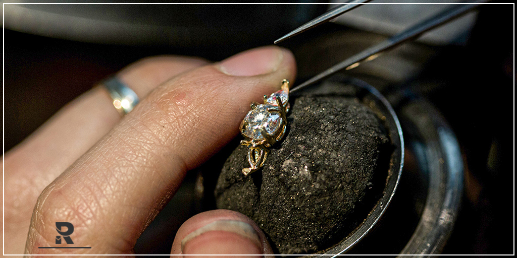 The Romantic Engagement Engraved Ring Idea