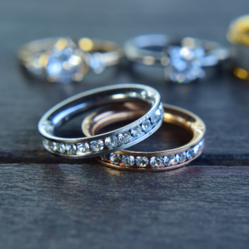 What are Salt and Pepper Diamond Rings?- The 2021 Buying Guide